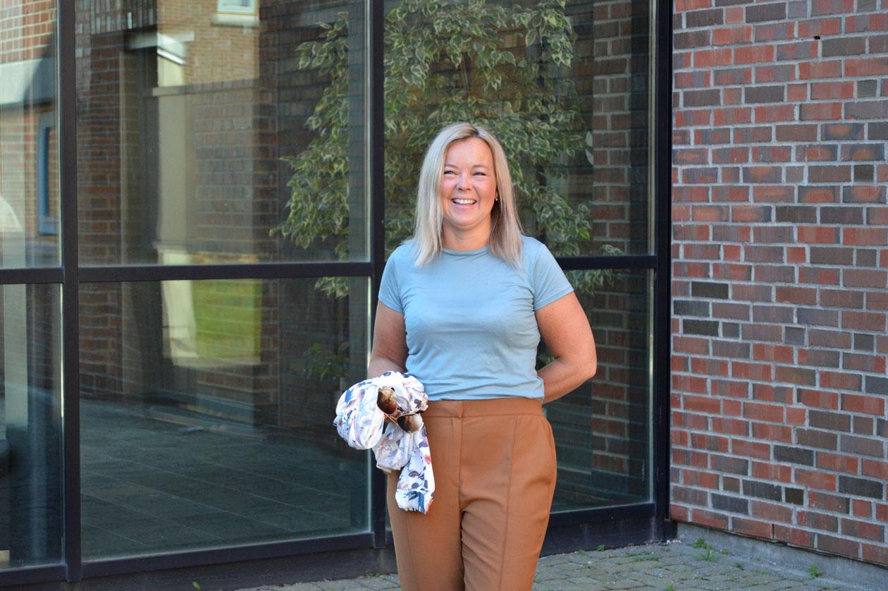 Linda Wessel i hagen ved Nord universitet i Bodø