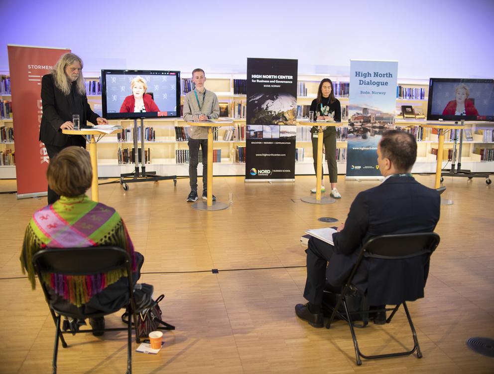 Arne O. Holm leder debatt mellom Erna solberg, Øyvind Johan Olsen og Nicole Natalie Furnes